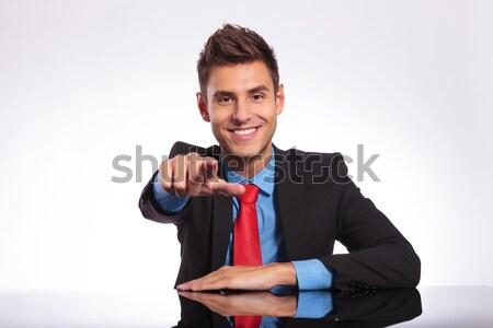 Ufficio uomo punta giovani uomo d'affari desk Foto d'archivio © feedough