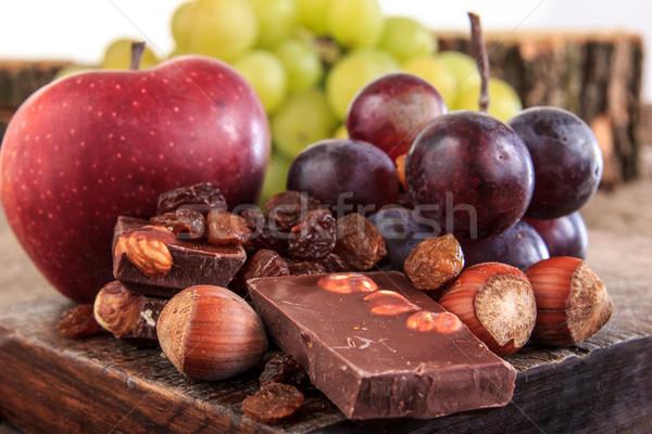 фрукты яблоки виноград орехи шоколадом Сток-фото © feelphotoart