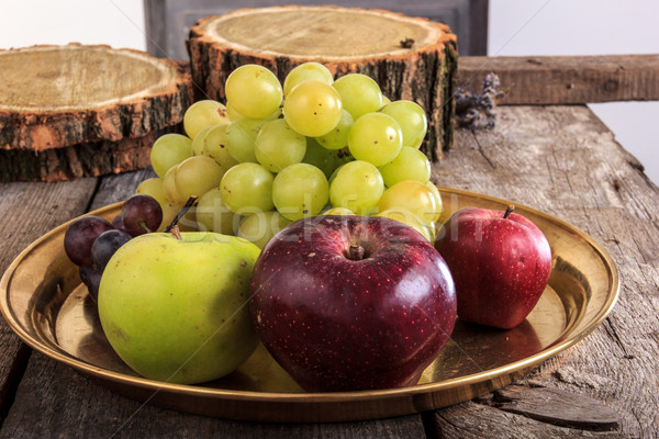 Közelkép friss organikus gyümölcsök citromsárga réz Stock fotó © feelphotoart