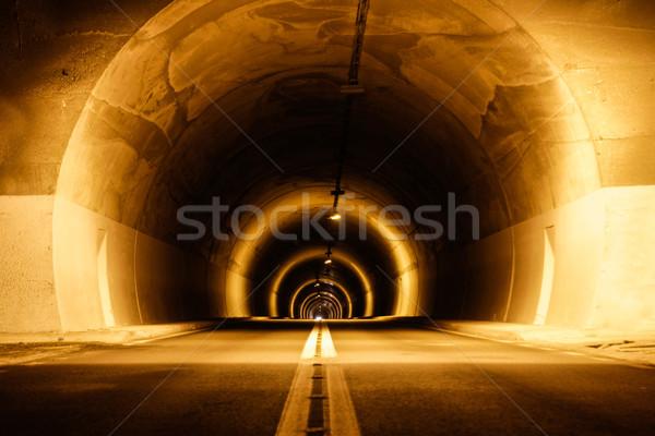 Ondergrondse tunnel lang mystiek lichten ruimte Stockfoto © feelphotoart
