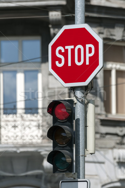 Piros jelzőlámpa stoptábla fény utca városi Stock fotó © FER737NG