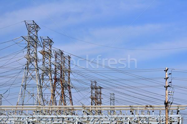 Elektromos tornyok városi erő disztribúció növény Stock fotó © FER737NG