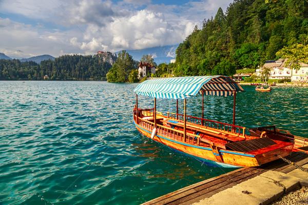 Tradicional barcos lago cielo naturaleza Foto stock © Fesus