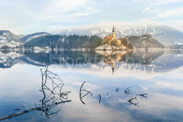 Kerk onderstelling eiland meer hemel boom Stockfoto © Fesus