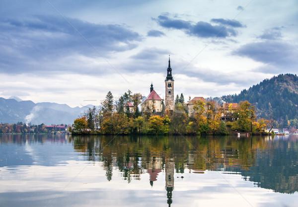 Tó Szlovénia Európa sziget kastély hegyek Stock fotó © Fesus