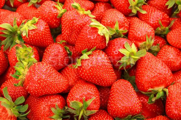 Fraîches fraises full frame alimentaire fond Photo stock © Fesus