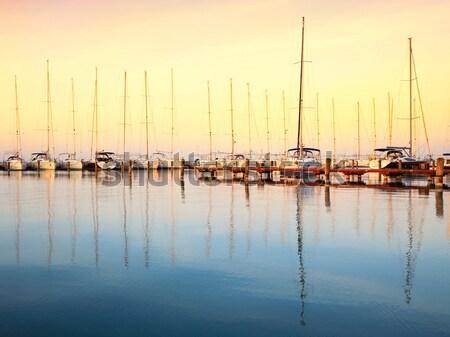 Zeilen boten jachthaven meer Balaton Hongarije Stockfoto © Fesus