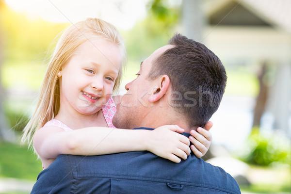 Jonge kaukasisch vader dochter park Stockfoto © feverpitch