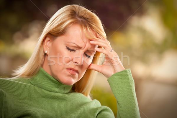 Mulher sofrimento dor de cabeça tristeza doloroso mãos Foto stock © feverpitch