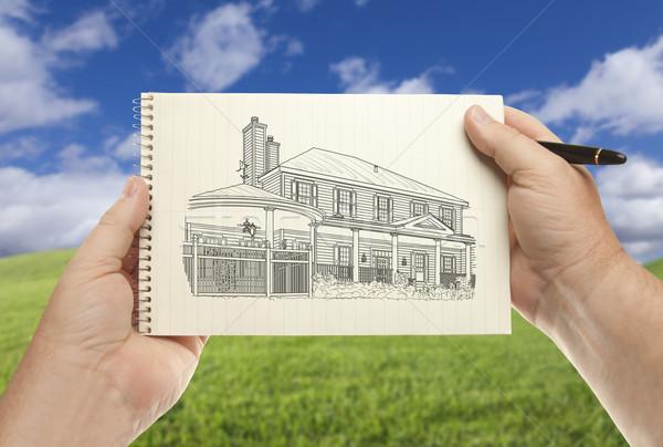 Handen papier huis tekening lege Stockfoto © feverpitch