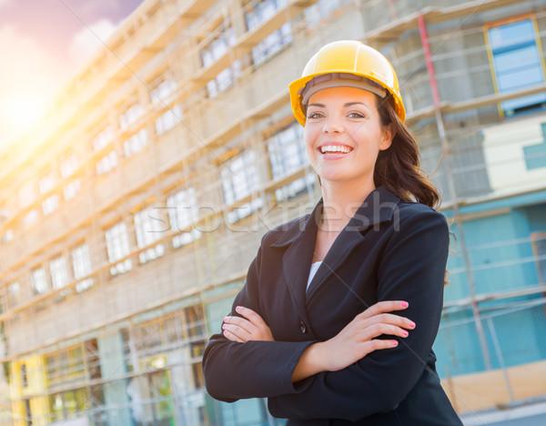 Portré női beszállító visel védősisak építkezés Stock fotó © feverpitch