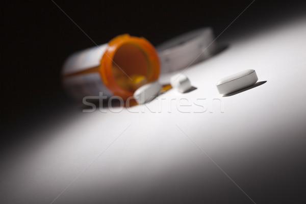 Gyógyszeres üveg tabletták folt fény absztrakt orvosi Stock fotó © feverpitch