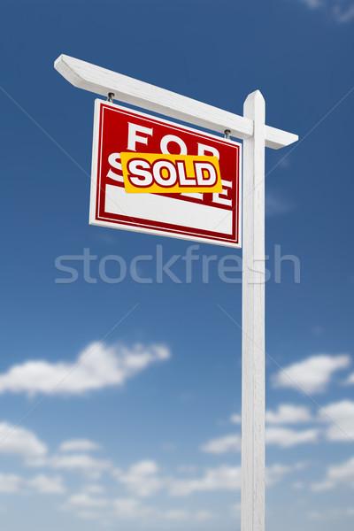 Vendido venda imóveis assinar blue sky Foto stock © feverpitch