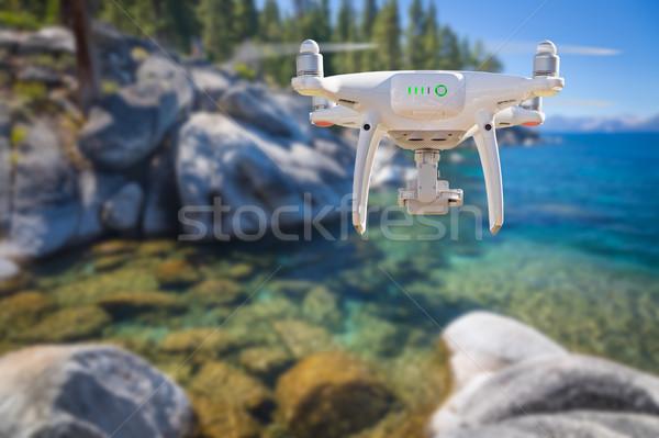 Foto stock: De · volta · aeronave · voador · acima · lago · céu