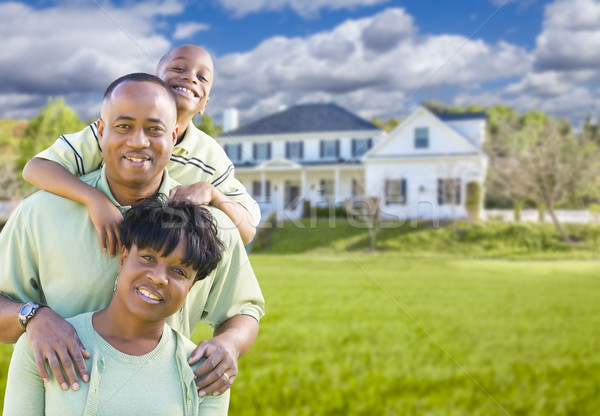 Familia hermosa casa feliz hombre Foto stock © feverpitch