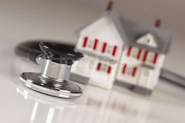 стетоскоп небольшой модель домой дома избирательный подход Сток-фото © feverpitch