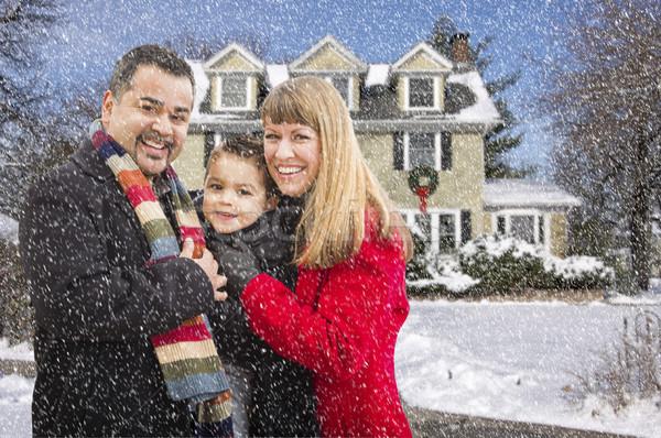 Stock fotó: Félvér · család · ház · hó · boldog · fiatal