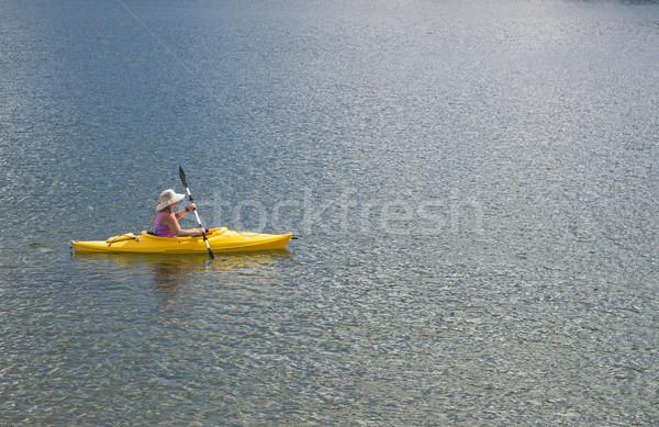Stockfoto: Vrouw · kajakken · mooie · berg · meer · vreedzaam