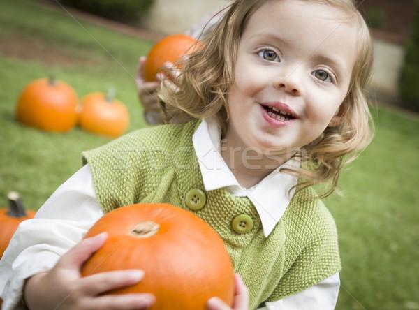 Stockfoto: Cute · jonge · kind · meisje · genieten · pompoen