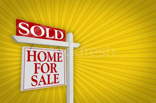 Eladva otthon vásár felirat drámai citromsárga Stock fotó © feverpitch