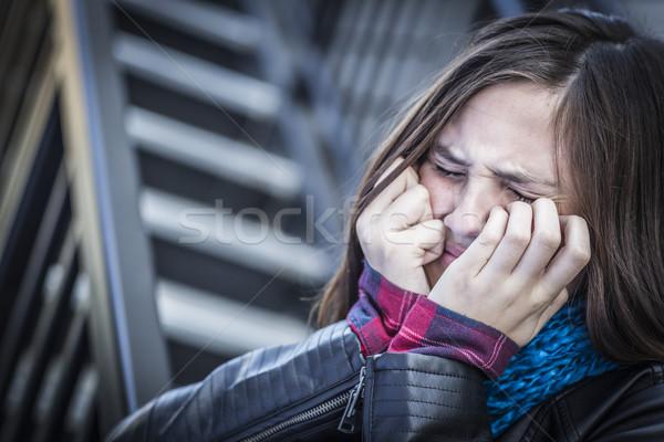 Jovem choro adolescente menina escada Foto stock © feverpitch