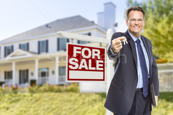 Stockfoto: Agent · sleutels · verkoop · teken · huis · makelaar