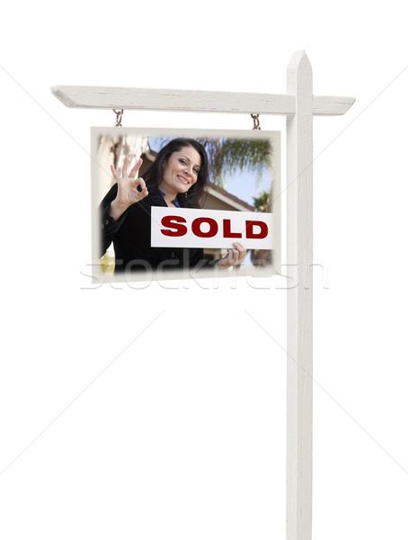 Stock fotó: Ingatlan · felirat · női · hatóanyag · eladva · izolált