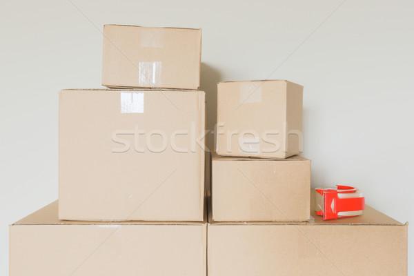 Stock fotó: Választék · költözködő · dobozok · üres · szoba · szalag · fegyver · fal
