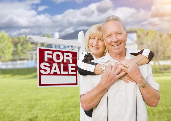 Photo stock: Heureux · couple · de · personnes · âgées · vente · signe · maison