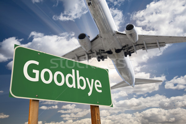 Viszlát zöld jelzőtábla repülőgép fölött drámai Stock fotó © feverpitch