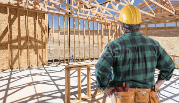 Beszállító áll bent építkezés új ház ház Stock fotó © feverpitch