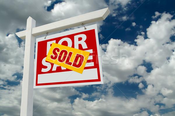 Stock fotó: Eladva · vásár · ingatlan · felirat · felhők · felhős