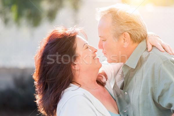 Paar genieten romantische vertragen dans Stockfoto © feverpitch