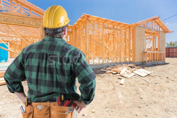 Beszállító áll kívül építkezés új ház ház Stock fotó © feverpitch