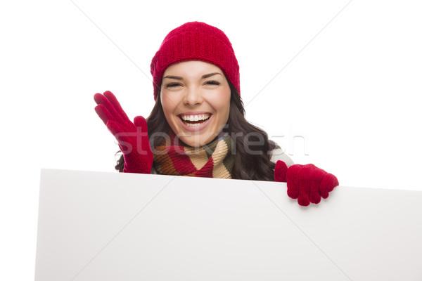 Lány visel tél kalap kesztyű üres tábla Stock fotó © feverpitch