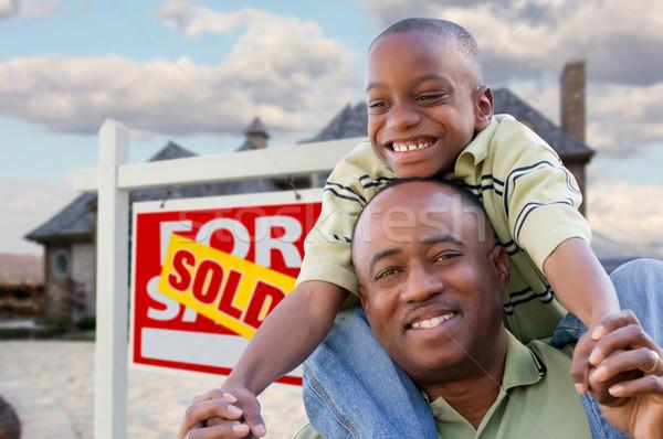 Stockfoto: Vader · zoon · onroerend · teken · home · gelukkig · afro-amerikaanse