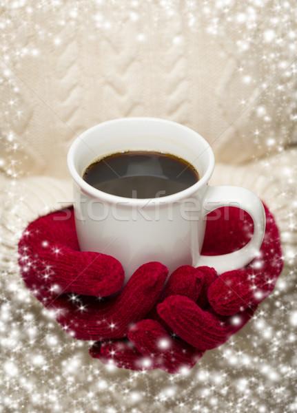 Donna maglione rosso muffole Cup Foto d'archivio © feverpitch