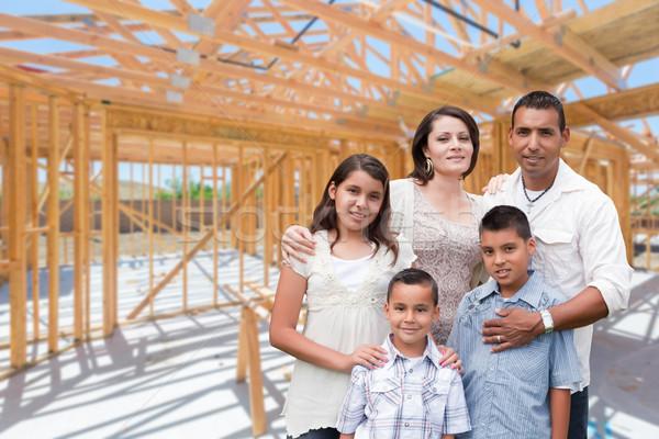 Stock fotó: Fiatal · spanyol · család · helyszín · bent · új · otthon