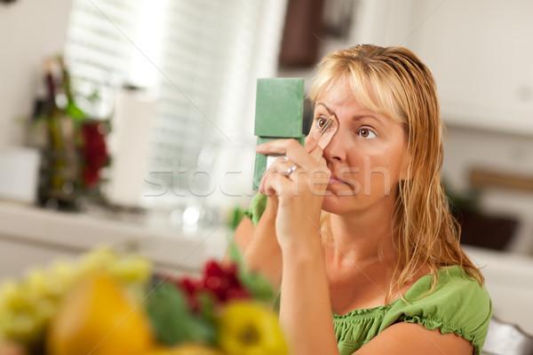 Stok fotoğraf: Sarışın · kadın · makyaj · banyo · renk · ayna