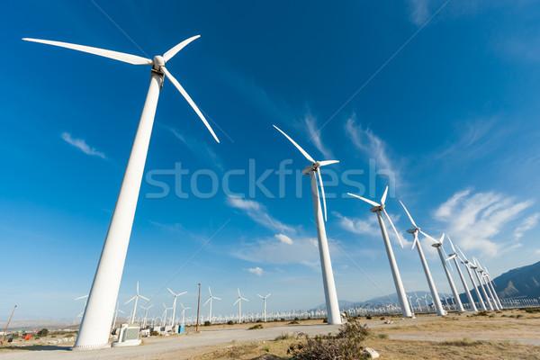 Dramático turbina eólica fazenda deserto Califórnia paisagem Foto stock © feverpitch