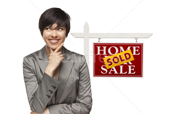 Nő eladva otthon vásár ingatlan felirat Stock fotó © feverpitch