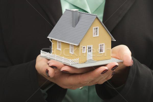 Photo stock: Maison · Homme · mains · faible · maison
