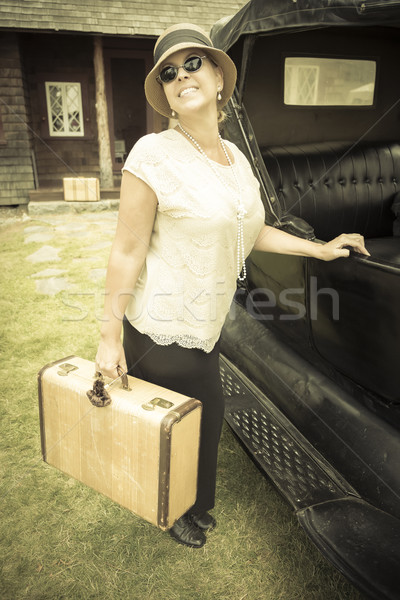 Heureux 1920 fille valise Photo stock © feverpitch