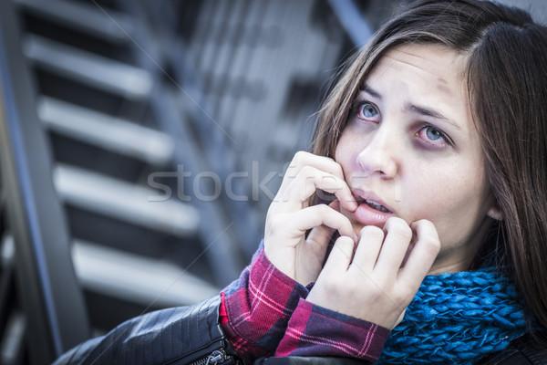 Młodych przestraszony dziewczyna schody nastolatek ból Zdjęcia stock © feverpitch