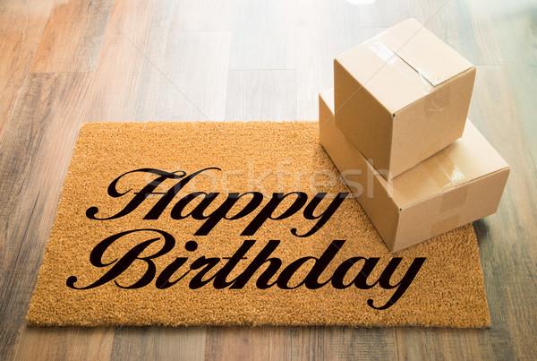Boldog születésnapot üdvözlet faburkolat szállítmány dobozok fa Stock fotó © feverpitch
