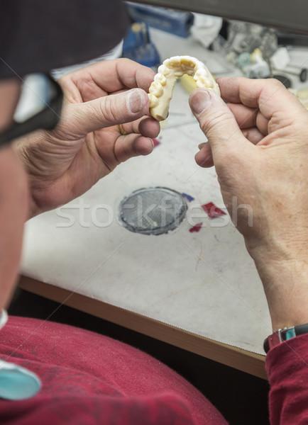 Dental técnico trabalhando 3D impresso bolor Foto stock © feverpitch