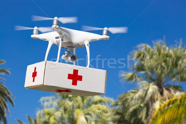 Samolotów pierwszy pierwsza pomoc pakiet tropikalnych Zdjęcia stock © feverpitch