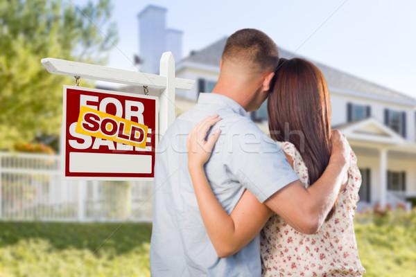 Stockfoto: Uitverkocht · verkoop · teken · militaire · paar · naar