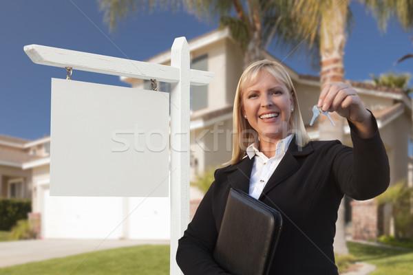 Teclas feminino casa belo Foto stock © feverpitch