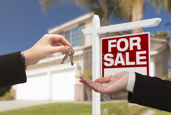 Stockfoto: Agent · huis · sleutels · nieuw · huis · makelaar · mooie